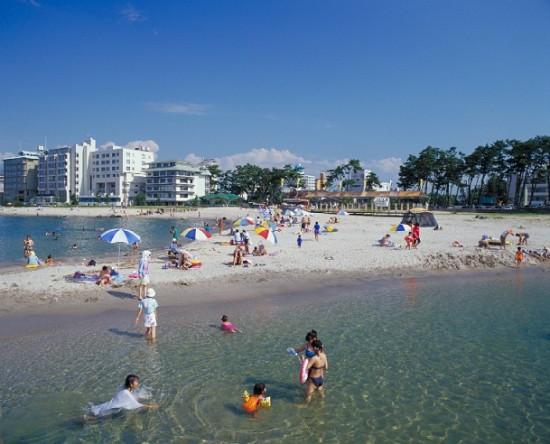 いよいよ明日、夏だ!ビーチで海水浴♪